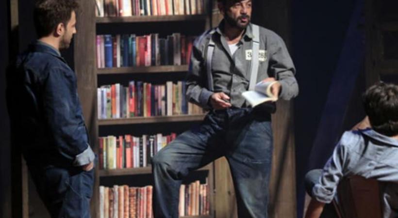 Tiyatroya uyarlanan 'Esaretin Bedeli'nin ilk gösterimi yapıldı!