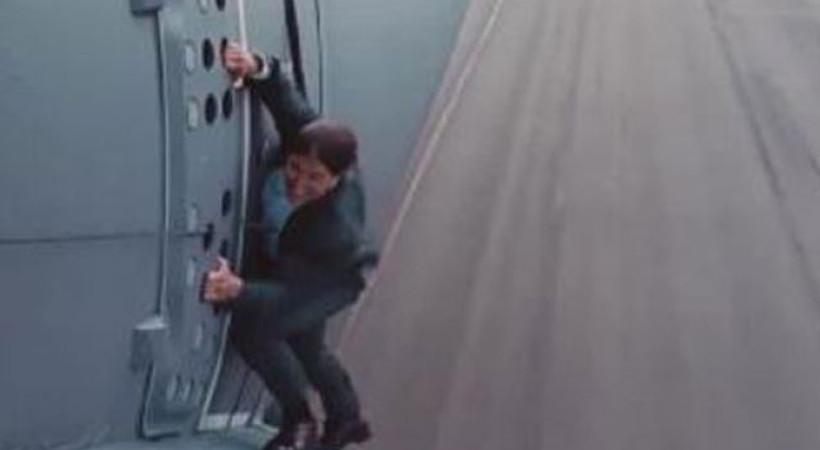 Tom Cruise nakliye uçağını kurtaracak!