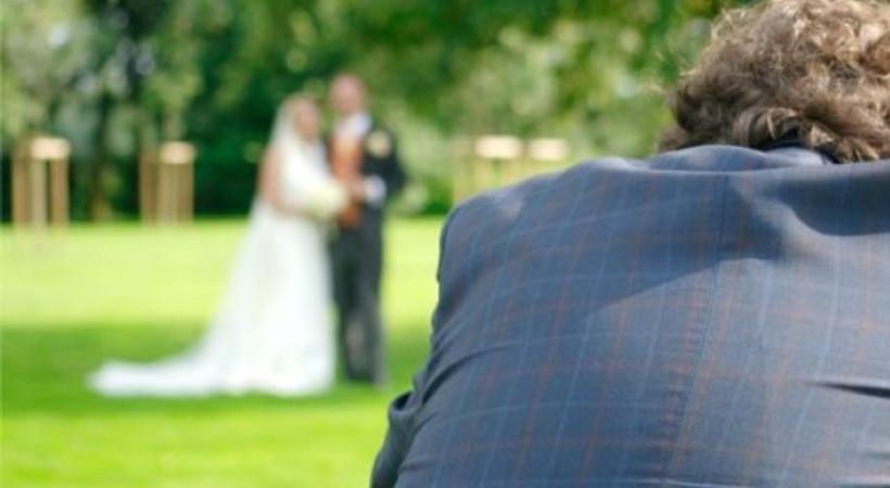 Düğün fotoğrafçısına internette saldıran kadına rekor ceza!