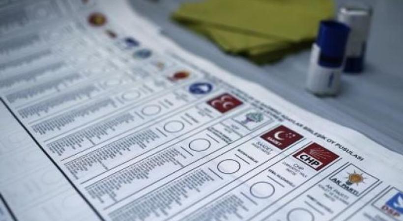 Hükümete yakın köşe yazarları seçim sonuçlarını nasıl yorumladı?