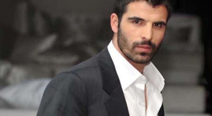 Oyuncu Mehmet Akif Alakurt'tan Adanalı izleyicilerine küfür!