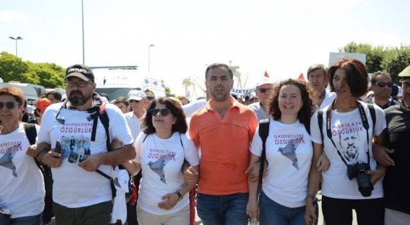 Tutuklu gazetecilerin arkadaşları adalet için yürüdü!