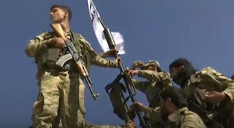 tv100 ekibi Milli Suriye Ordusu'nun Resulayn'a giden konvoyunda