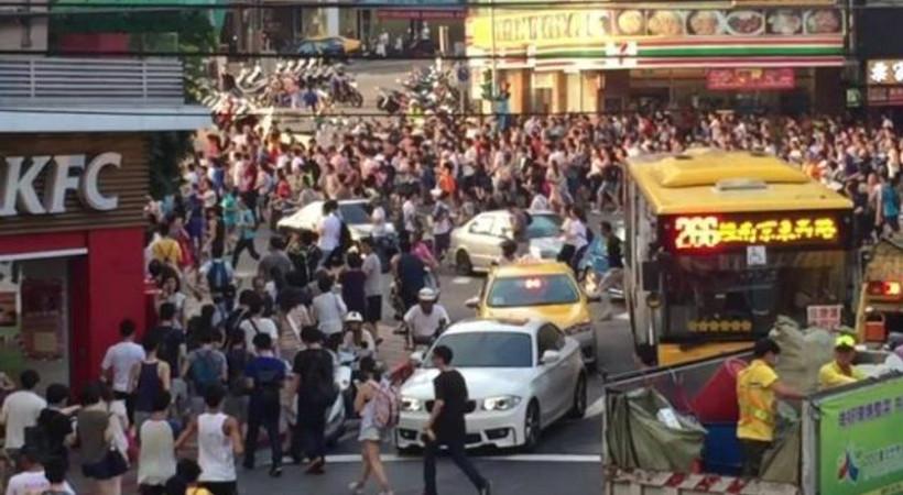 Tayvan'da Pokemon Go izdihamı! İşte o anlar