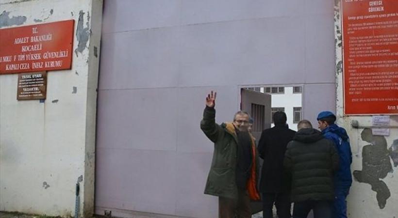Senarist Levent Kazak, HDP'li Sırrı Süreyya Önder'i ziyaret etti!