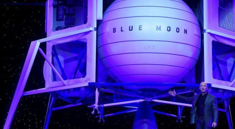 Ay'a sefer yapacak uzay aracını tanıtan Bezos: Bu kez kalmak üzere gidiyoruz