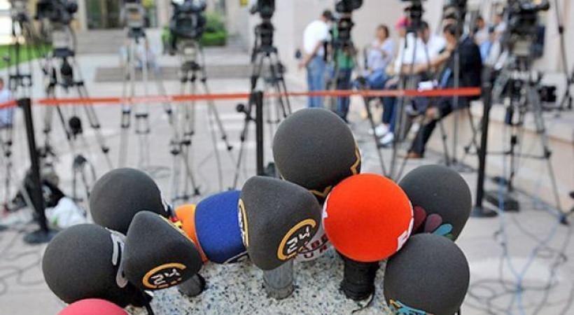 """Tunceli'deki gazetecilere destek: """"Zaten baskı ve tehdit altındalar..."""""""