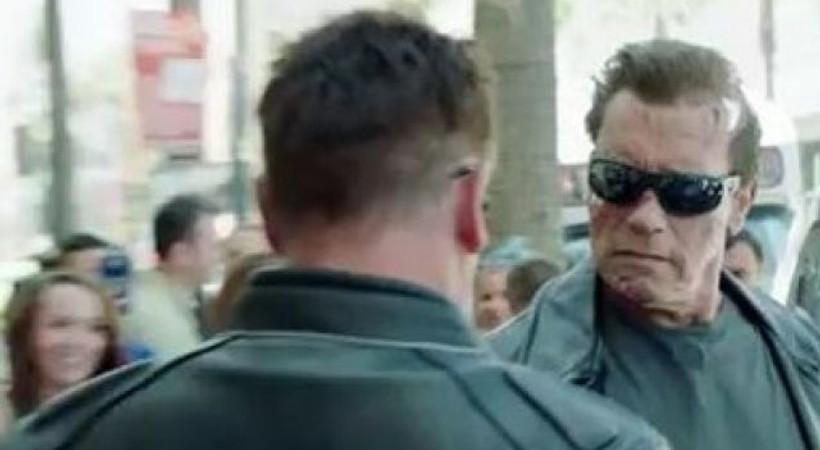 Terminator sokağa çıktı! Schwarzenegger şaşırttı