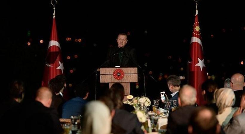 Ünlü isimler Erdoğan'ın iftar davetine katıldı. Yemeğin ardından neler konuşuldu?