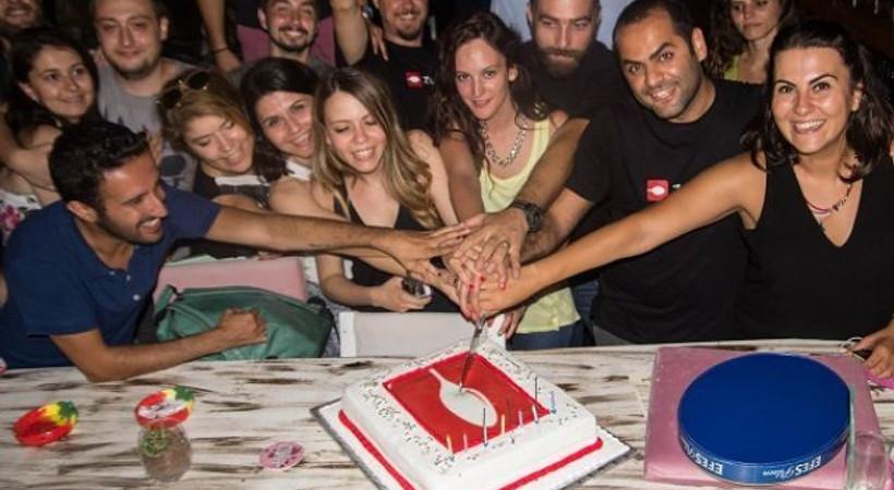 Online mekan rehberinde 'Curcuna'lı kutlama!