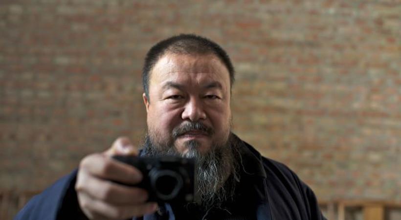Muhalif sanatçı Ai Weiwei'den Aylan Kurdi pozu