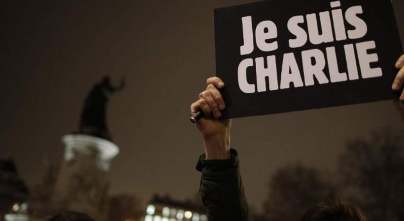 Türkiyeli gazetecilerden Charlie Hebdo'ya destek videosu!
