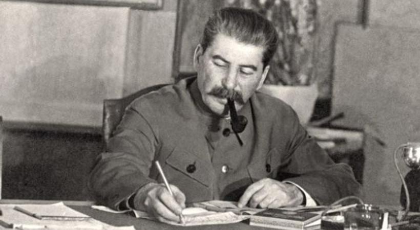 Booker ödüllü Rus yazar: Stalin, Hitler'in Leningrad kuşatması planına alet oldu