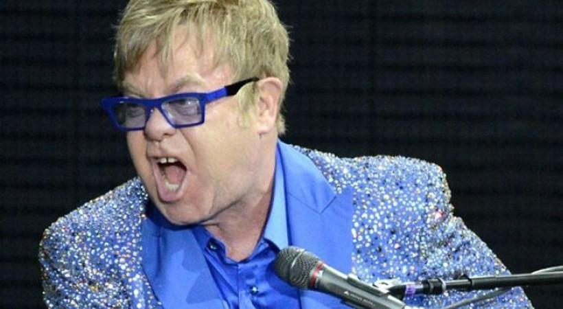 Ünlü şarkıcı belediye başkanına çıkıştı: O bir hödük ve yobaz