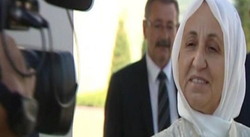 Akın İpek'in annesi konuştu: 'İngiltere'ye kaçmadı, kaçmayacak da'