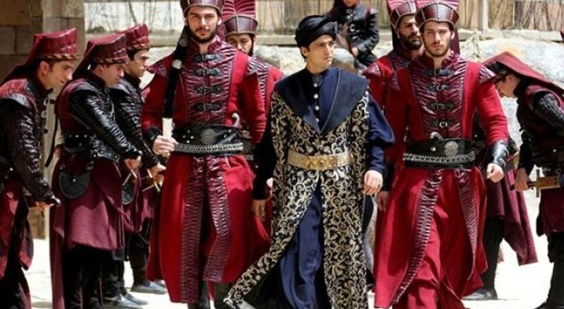 'Muhteşem Yüzyıl Kösem'de Sultan Osman tahta çıkıyor! İşte fragman...