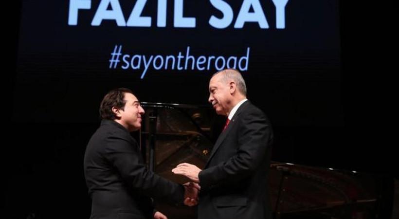 Cumhurbaşkanı Erdoğan Fazıl Say'ı ayakta alkışladı!