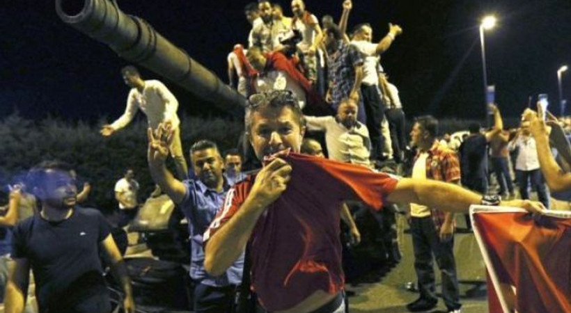 Financial Times: Suriyeli mülteciler Erdoğan için sokaklara çıktı