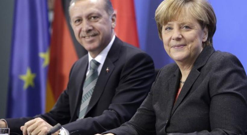 Financial Times: 'AB, Türkiye'ye karşı ahlaki üstünlüğünü kaybetti!'