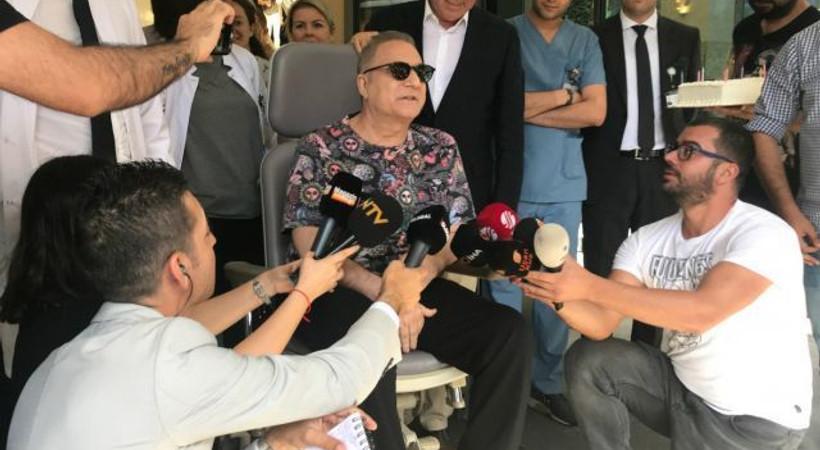 Gözyaşlarını tutamadı... Mehmet Ali Erbil taburcu oldu!