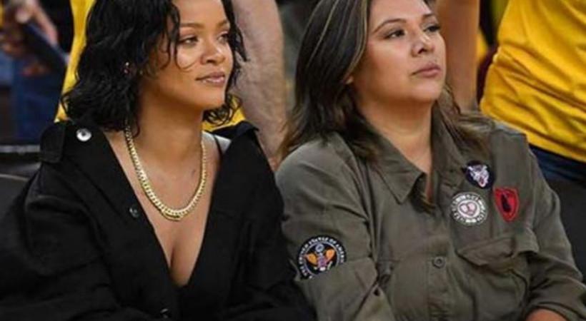 Rihanna yerinde duramadı!