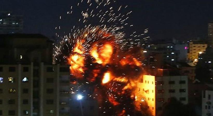 İsrail Anadolu Ajansı ofisinin de bulunduğu binayı vurdu!