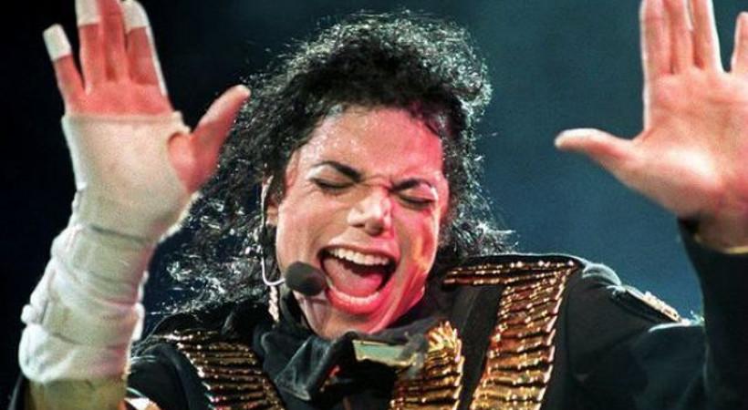 Dünyayı sarsan belgeselin ardından Michael Jackson heykeli o müzeden kaldırılıyor!