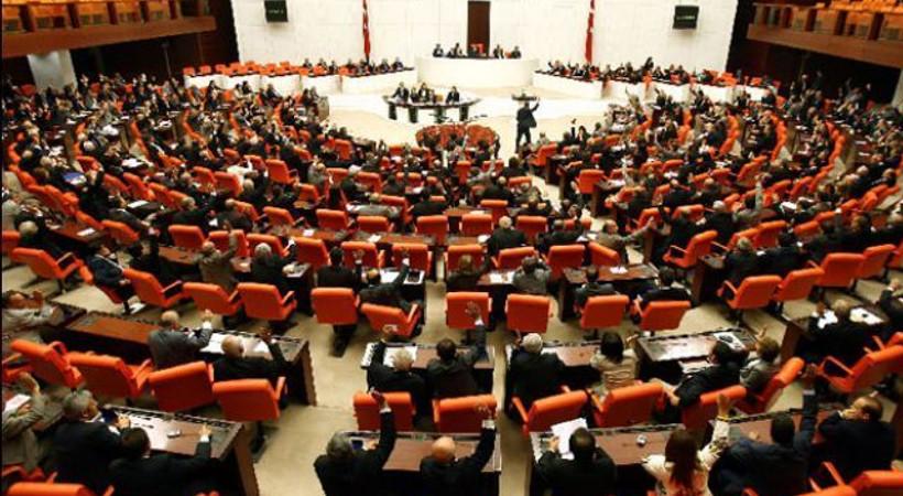 Gazetecilere baskılar arttı, Meclis göreve çağrıldı!