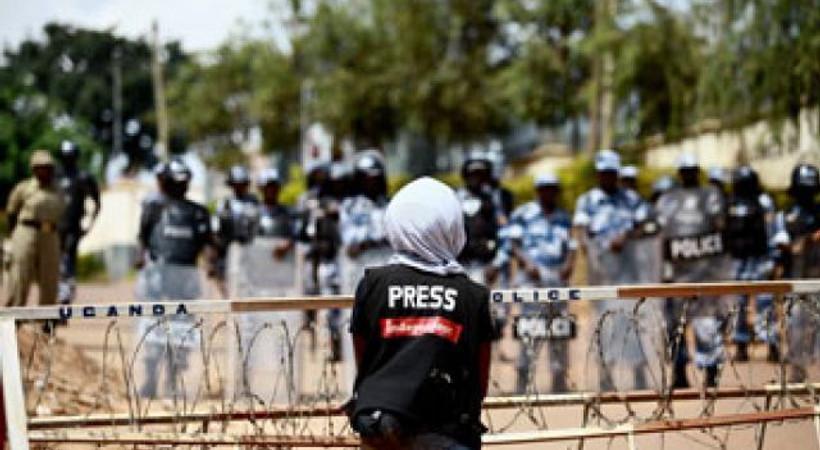 Kriz gazetecileri de vurdu