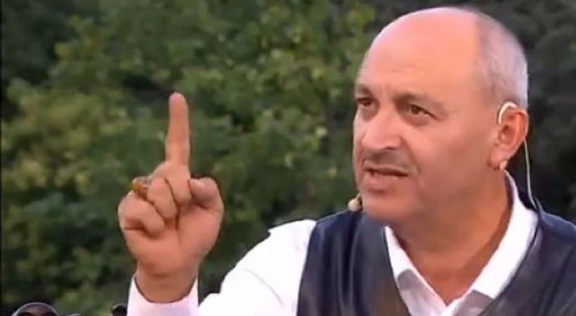 TRT canlı yayınında şok sözler: 'Namaz kılmayan hayvandır!'