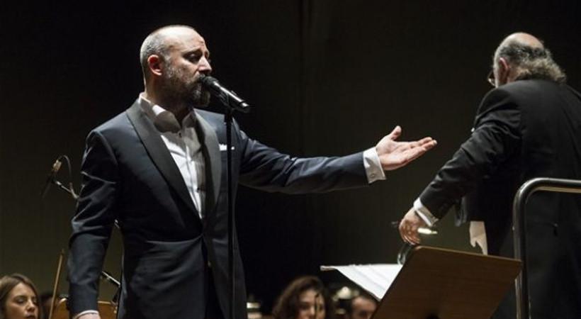Ünlü oyuncu Halit Ergenç, Bahreyn'de konser verdi