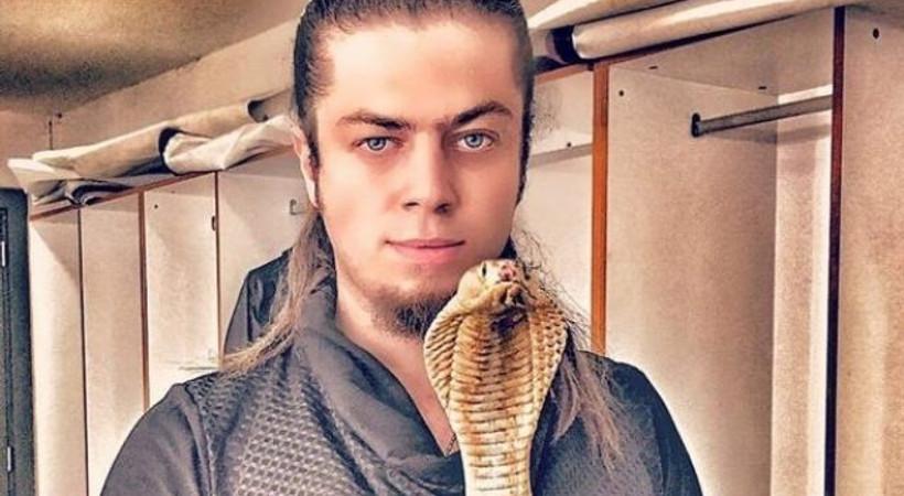 Ünlü sihirbaz ölümle pençeleşiyor! Aref Ghafour'ı kobra yılanı soktu