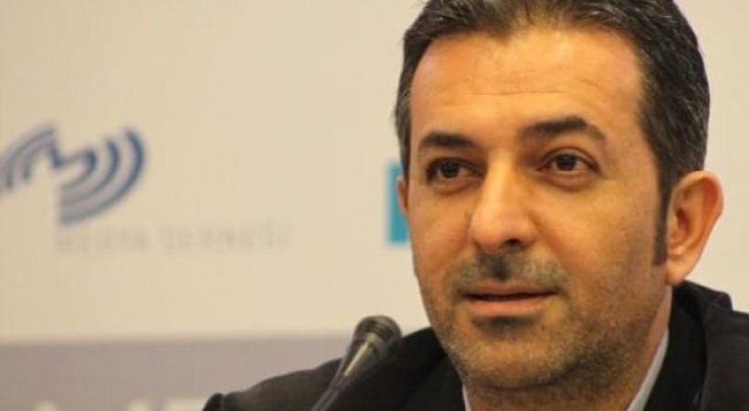 Hürriyet'le yolları ayrılan Akif Beki'nin yeni adresi belli oldu! İlk yazısı bugün yayınlandı