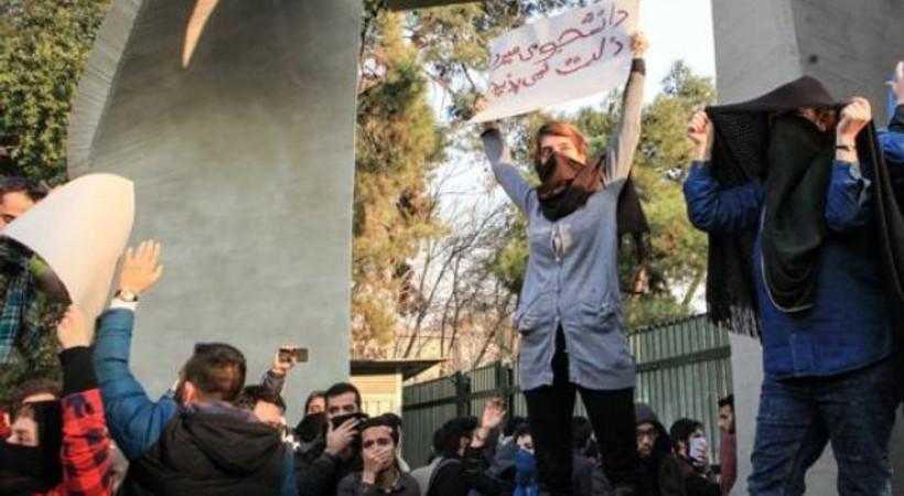 İran basını protestolara ne kadar yer veriyor?