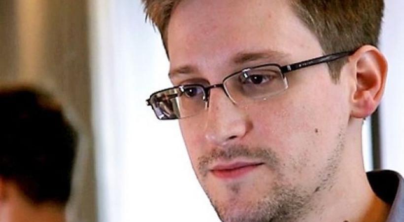 Edward Snowden, artık Twitter'da!