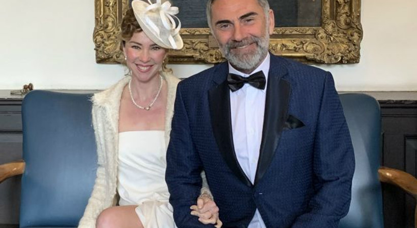 İnci Türkay ve Atilla Saral Londra'da evlendi!