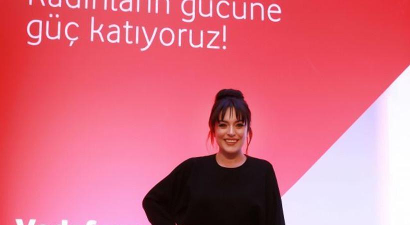 'Vodafone Altın Kulüp' tanıtımını Ezgi Mola ile yaptı!