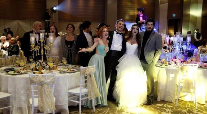 'İnadına Aşk' dizisinde düğün heyecanı