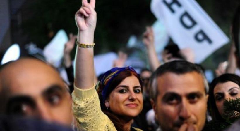 Financial Times: Erdoğan ağır darbe aldı, kazanan halkın gücü oldu