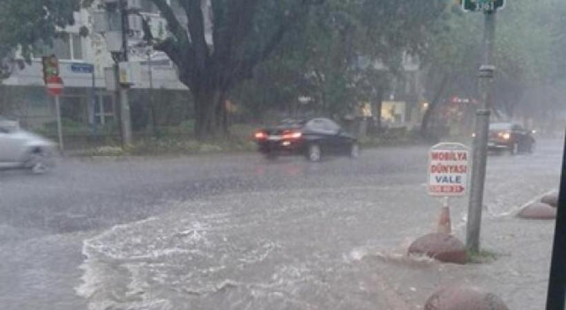 İstanbul yağmura tutuldu