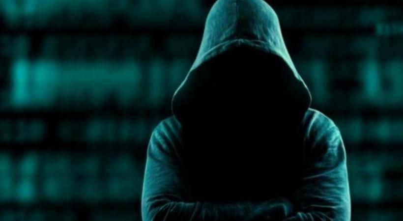 Ünlülerin başına bela olan hackerlar yakalandı! Şantaj, ahlaksız teklif...