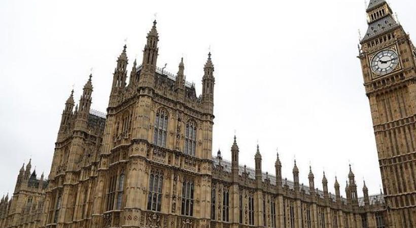 İngiliz Parlamentosunun internet sitesi çöktü!