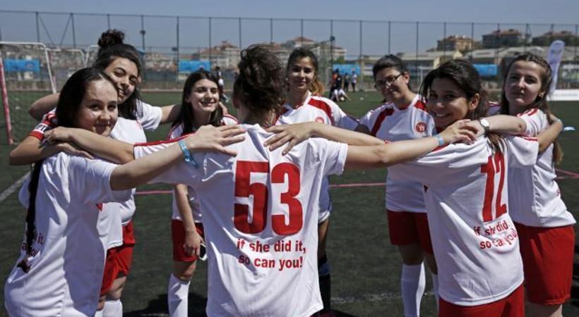 Kadınlara özel ilk ve tek futbol turnuvası 'Kızlar Sahada' 7.yaşını kutluyor!