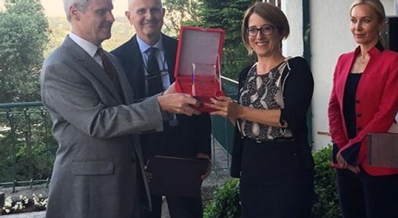 Gazeteci Mehveş Evin'e Ermenistan-Türkiye ödülü