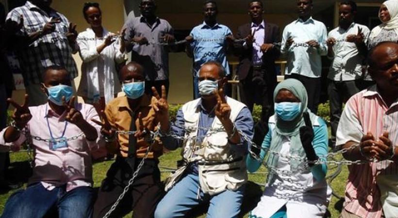 30'dan fazla gazeteci ülkenin en büyük açlık grevini başlattı!
