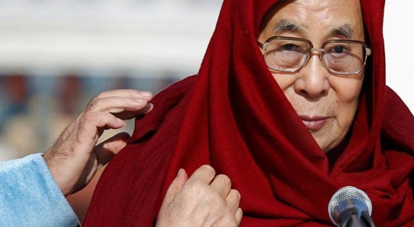 'Halefim kadın olursa çekici olmalı' diyen Dalay Lama'dan özür: Tercüme edilince mizahi tarafı yok olmuş