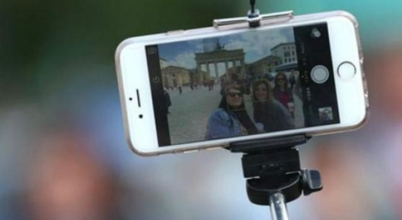 Selfie çubuğuna bir yasak daha!