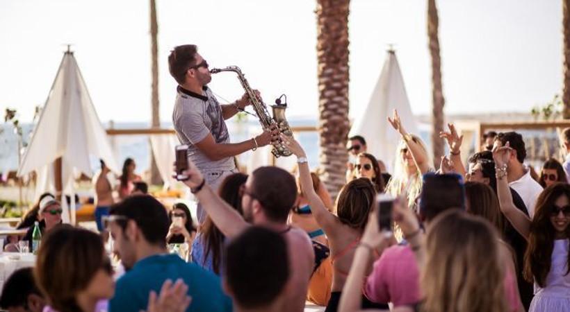 Müzik ve eğlenceyi bir arada sunuyor!