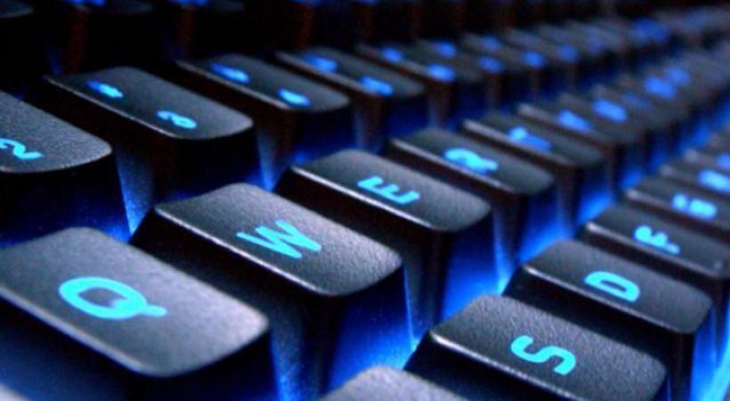 AKP'den yeni düzenleme: Klavyeler değişiyor