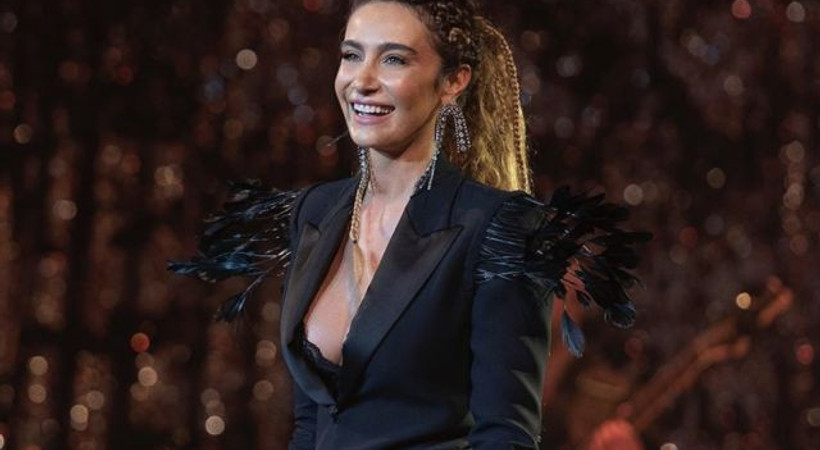 Ünlü şarkıcı Sıla hakkında suç duyurusu